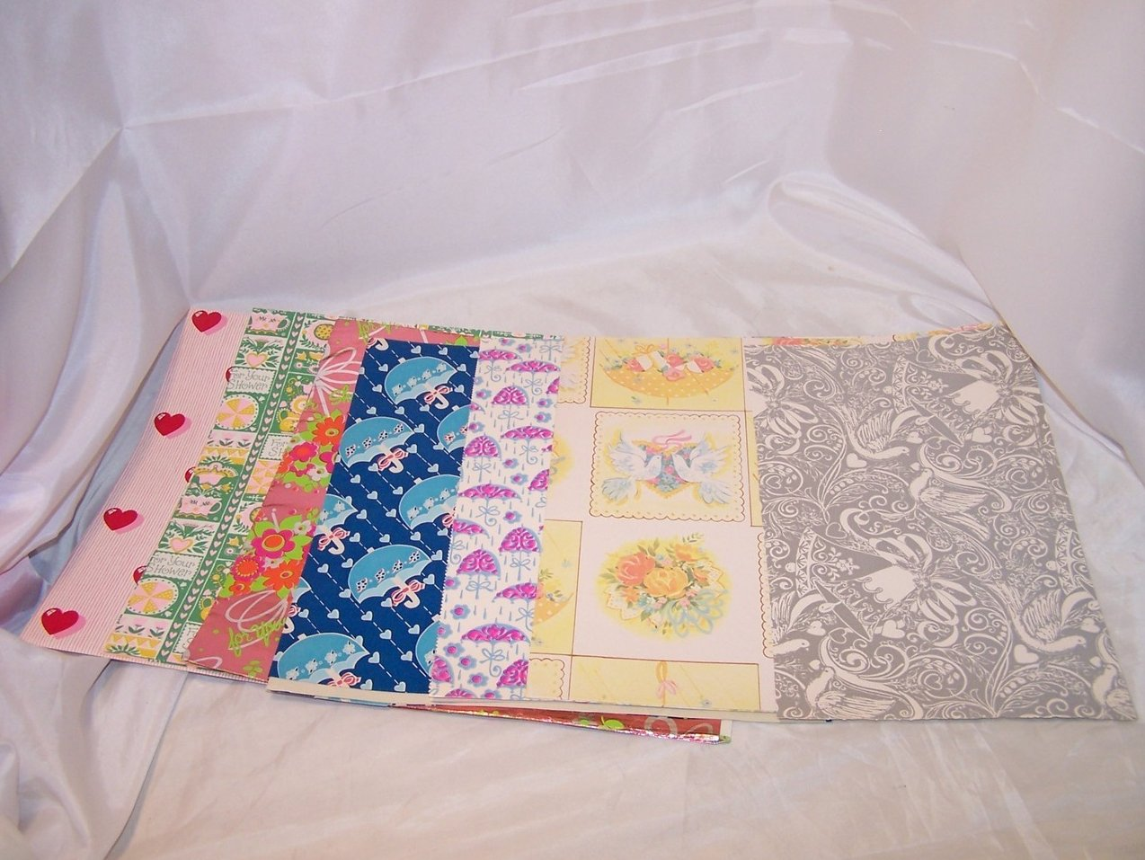 Seven Sheets Vintage Love, Shower Style Gift Wrapping Paper