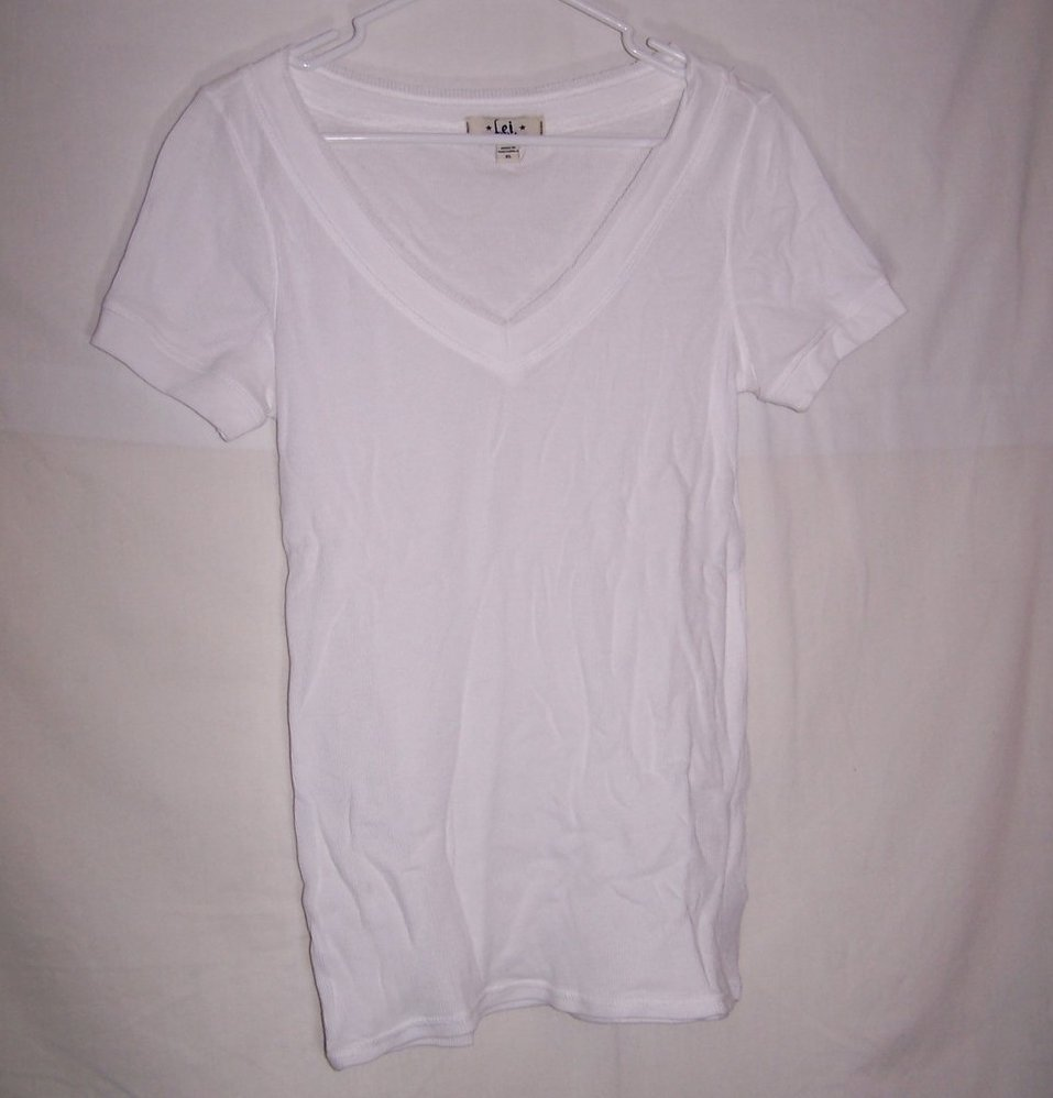 Lei Ribbed, Short Sleeve White Shirt, Jrs Size XL