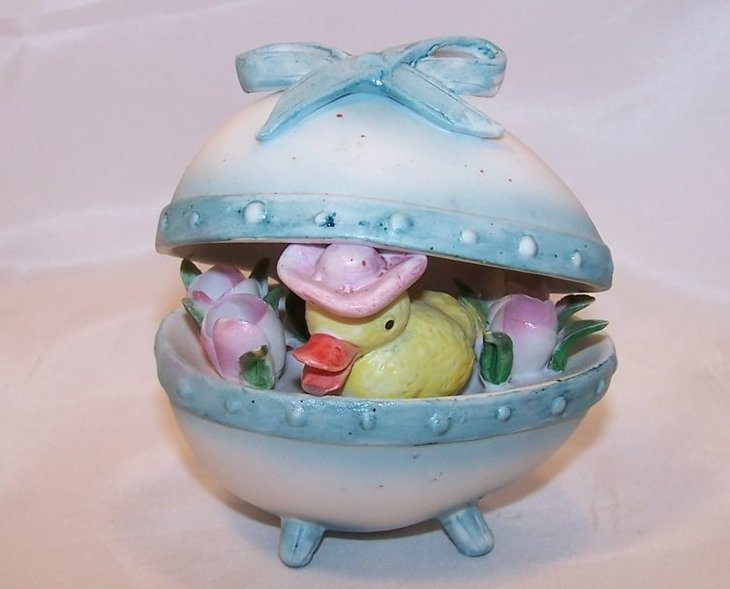 Easter Egg Figurine w Darling Duck in Hat, Flowers