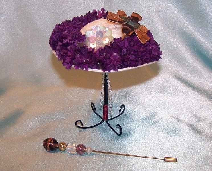 New Woven White Hat w Flowers, Hummingbird, Hat Pin, Stand