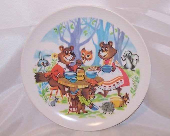 Bear and Company Picnic, Child Size Plastic Dinner Plate