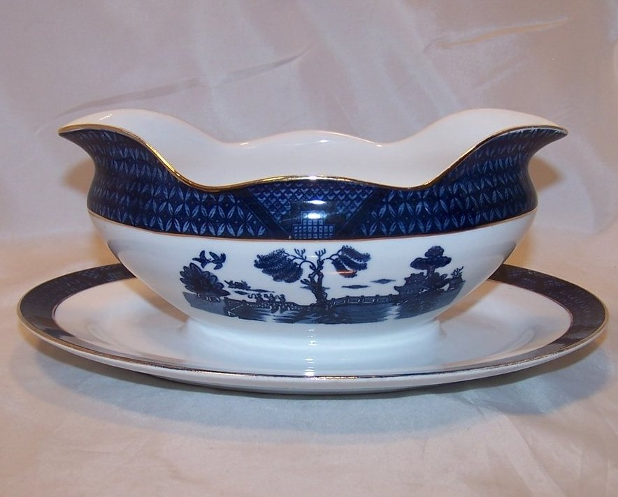 Image 0 of Nikko Double Phoenix, Blue Willow, Gravy Boat, Underplate