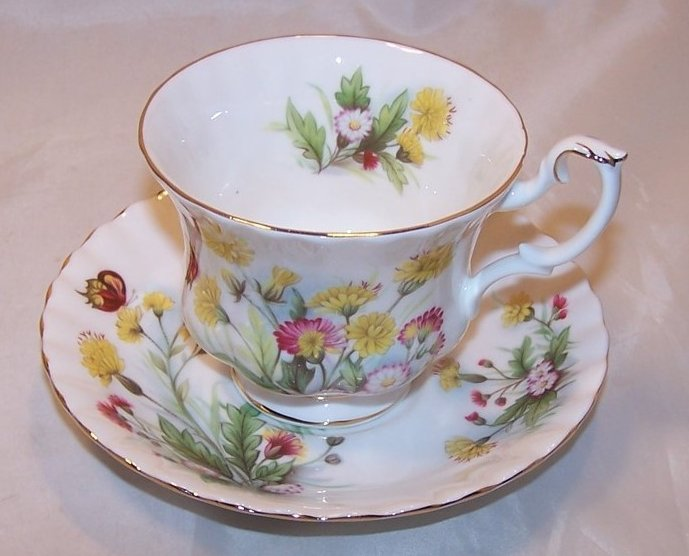 Country Life Teacup Saucer, Ebeling Reuss, Golden Crown