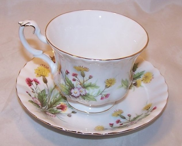 Image 3 of Country Life Teacup Saucer, Ebeling Reuss, Golden Crown