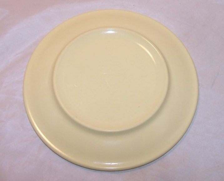 Image 2 of Arrowhead, Texas Ware Yellow Melmac Melamine Plate