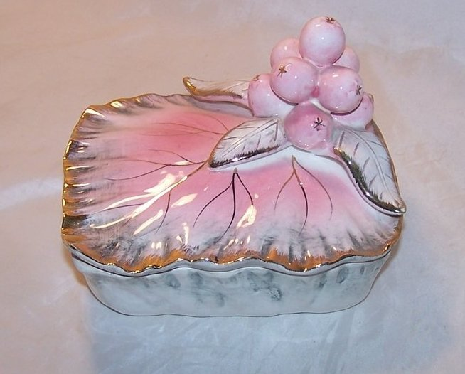 Ucagco Ceramic Leaf and Berry Trinket Box, Japan Japanese