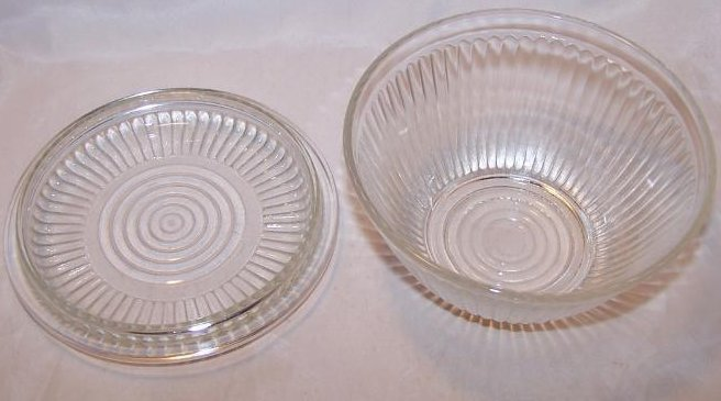 Image 1 of Glass Refrigerator Dish w Lid, Round Clear w Ridged Pattern