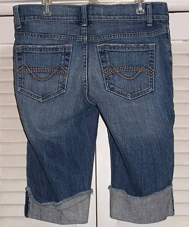 Juniors Size 7 Mossimo Distressed Jean Shorts