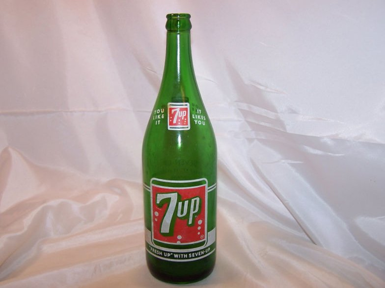 7UP, 7 UP, Green Glass Soda Pop Bottle, 1 pint 12 ounces