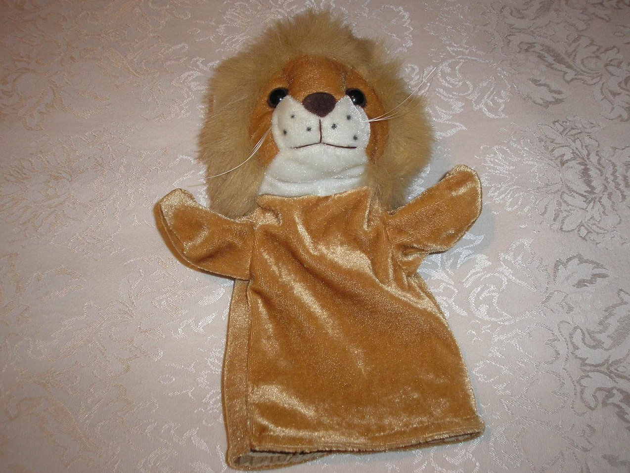Lion Hand Puppet 9 inches like new condition