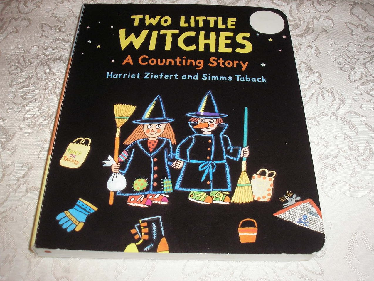 Two Little Witches A Counting Story  Ziefert and Taback  very good board book