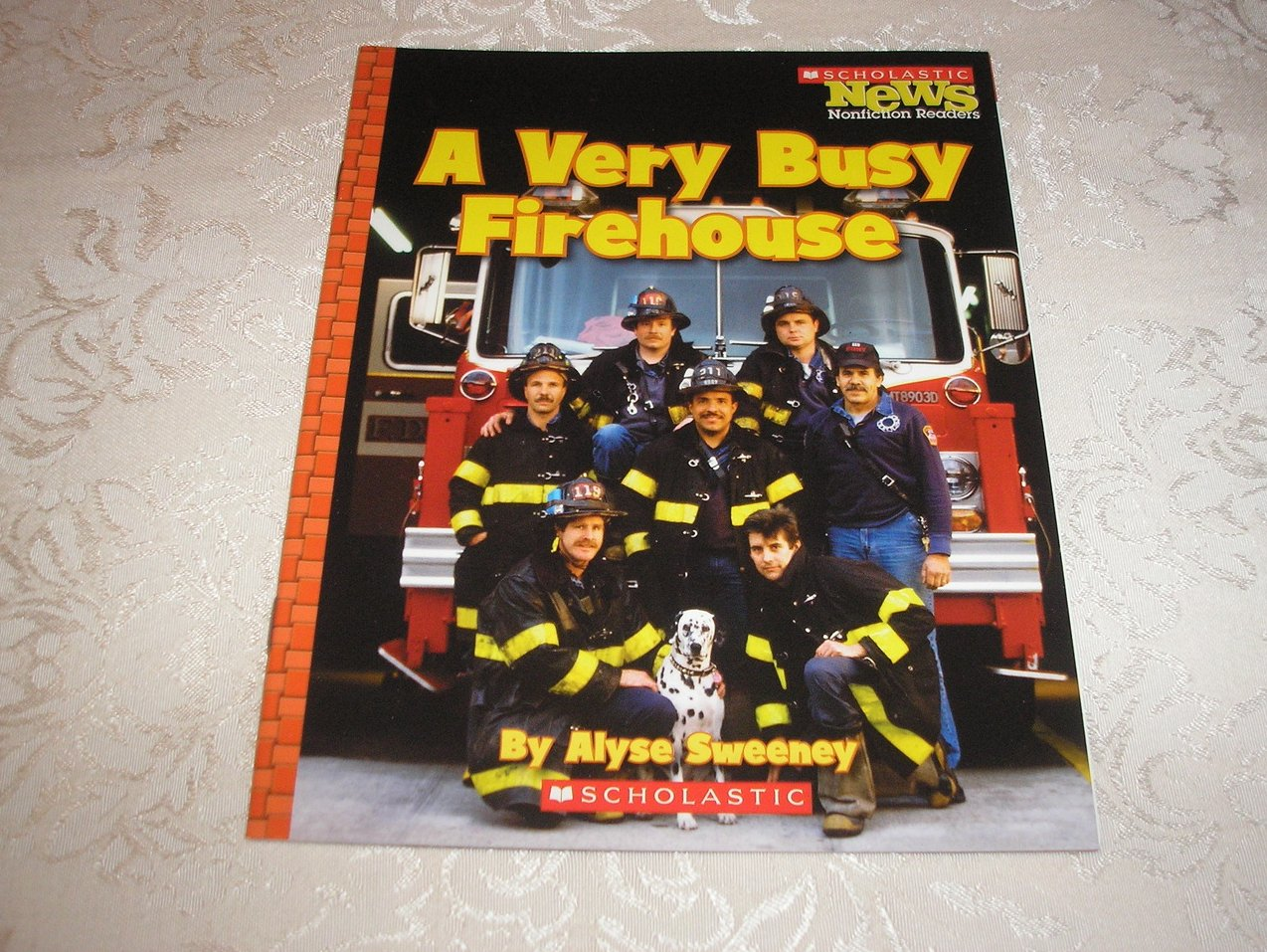 A Very Busy Firehouse Alyse Sweeney new Scholastic News Nonfiction sc Reader
