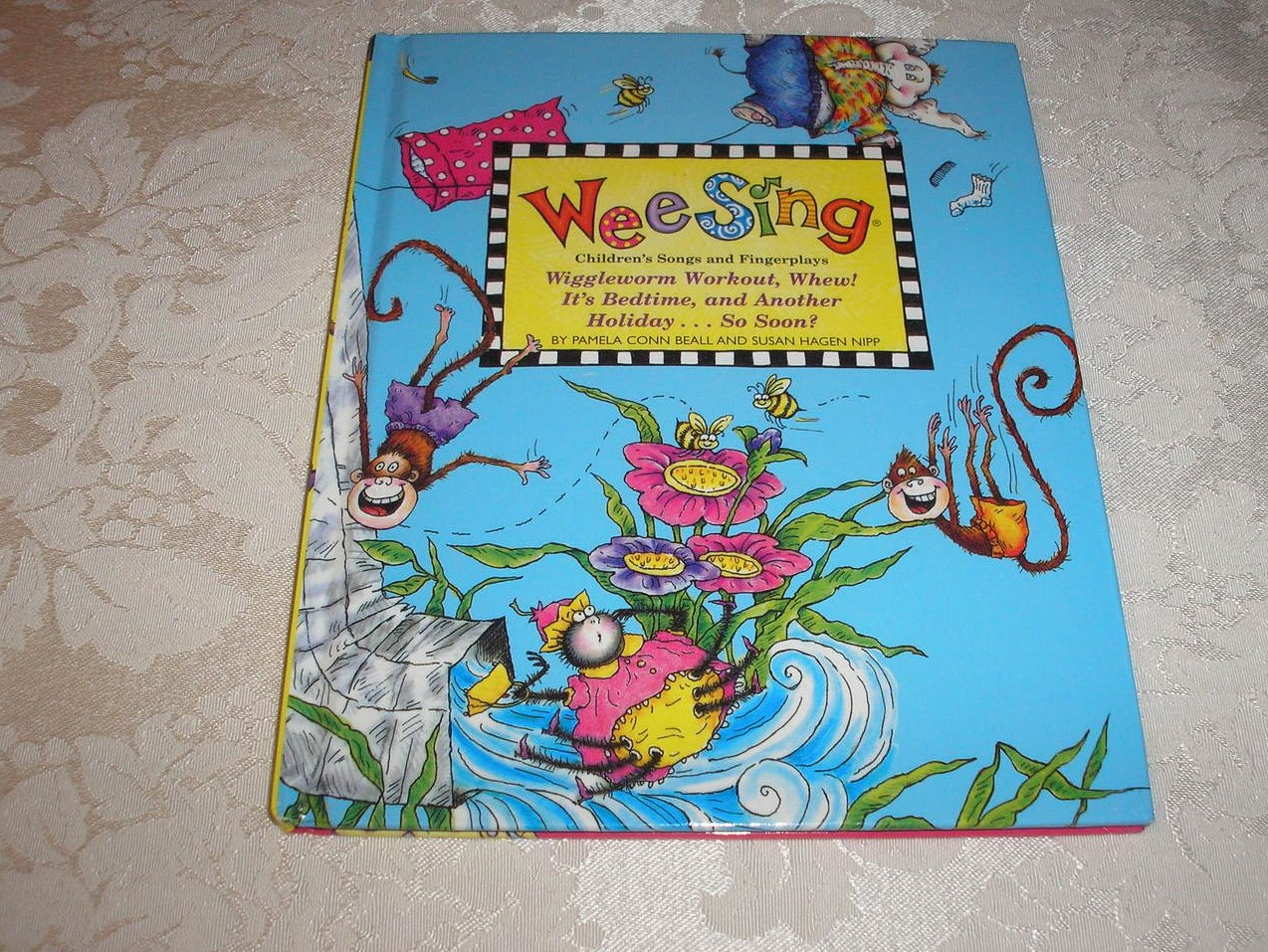 Wee Sing Children's Songs and Fingerplays series book 10 very good hc