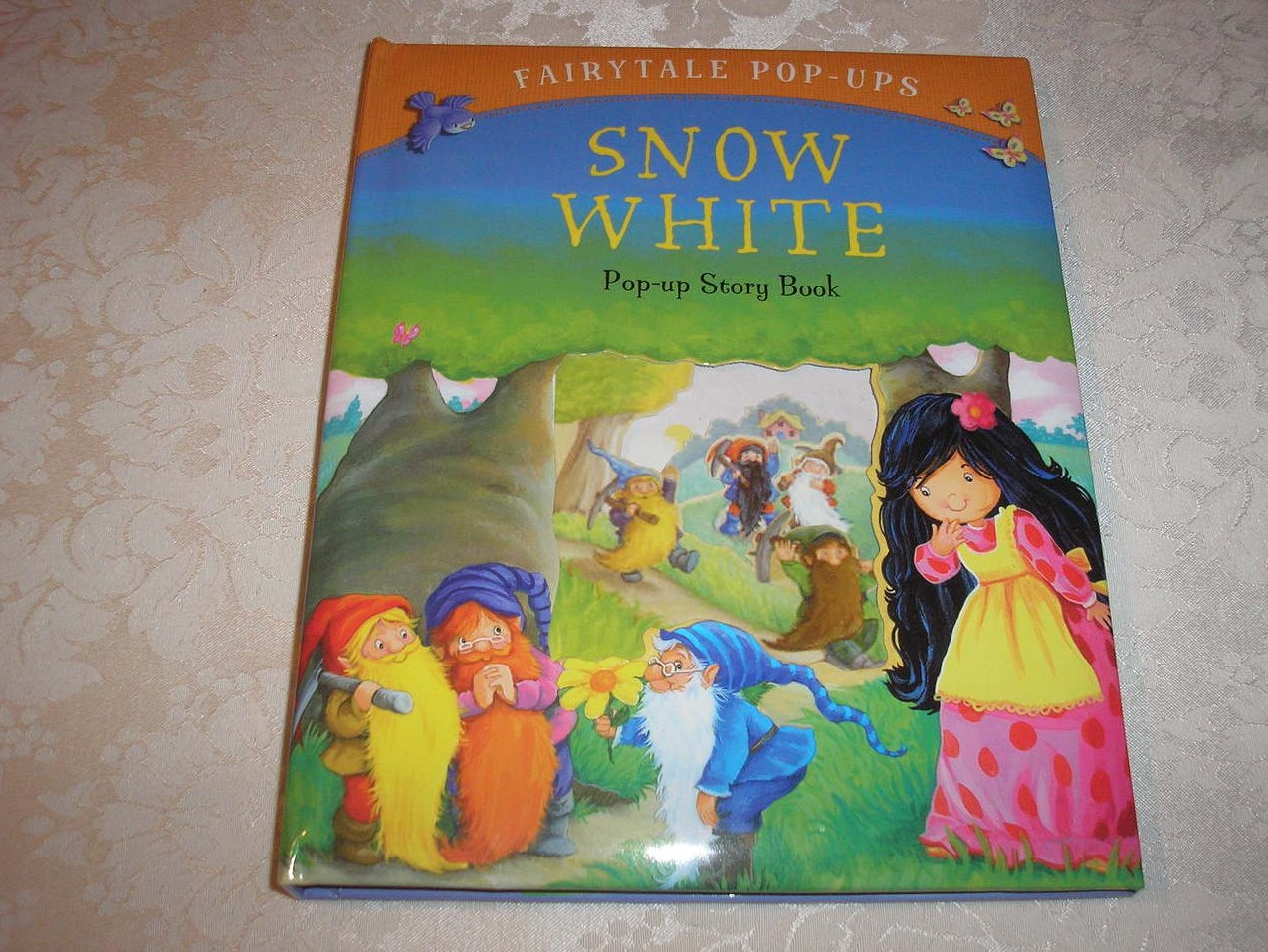 Snow White Fairytale Pop-Ups brand new hc