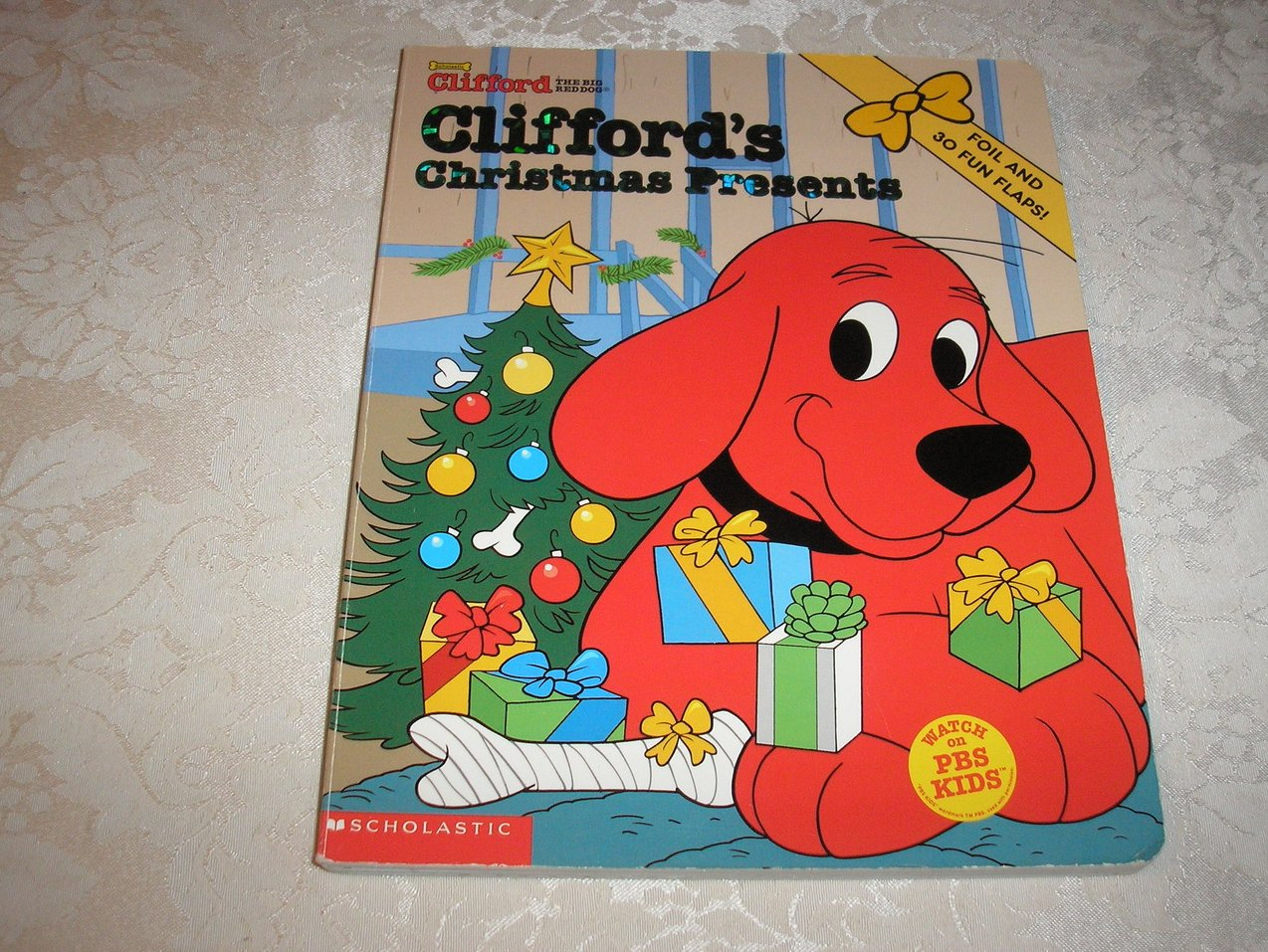 Clifford's Christmas Presents like new lift the flaps board book