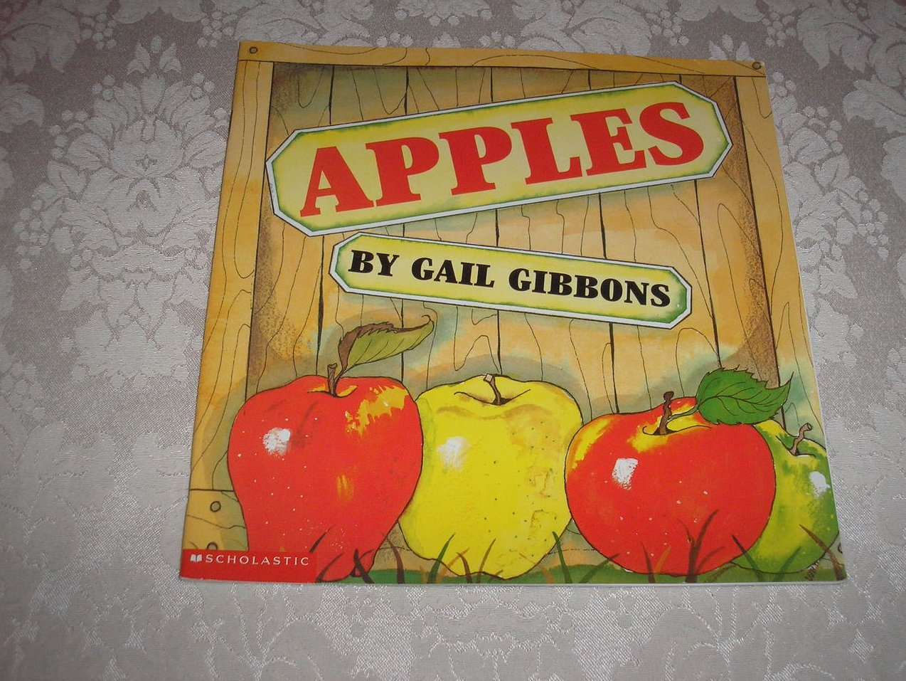 Apples Gail Gibbons like new sc