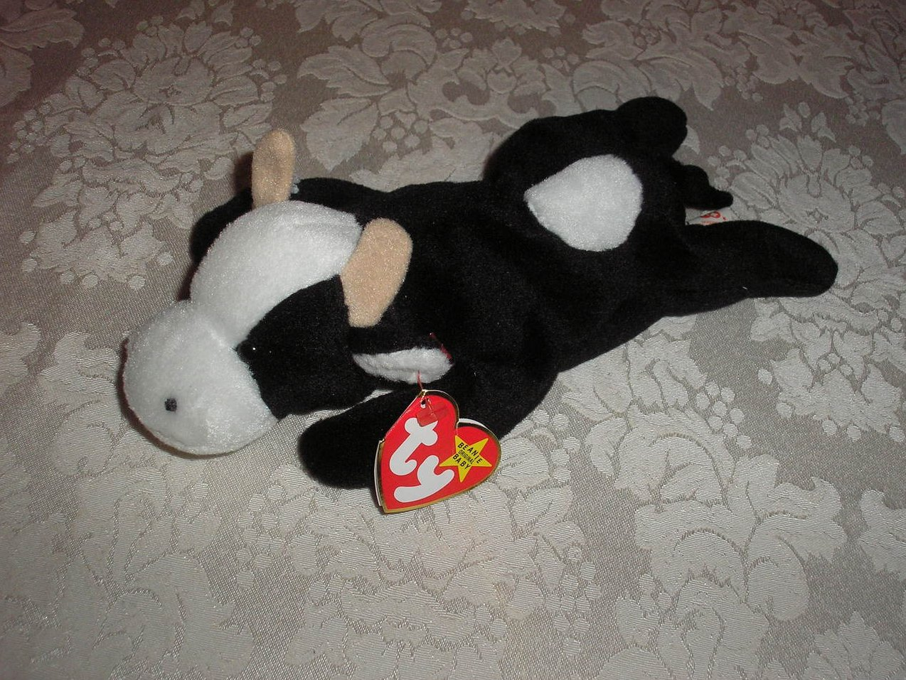 Ty Original Beanie Baby Daisy Cow May 10, 1994