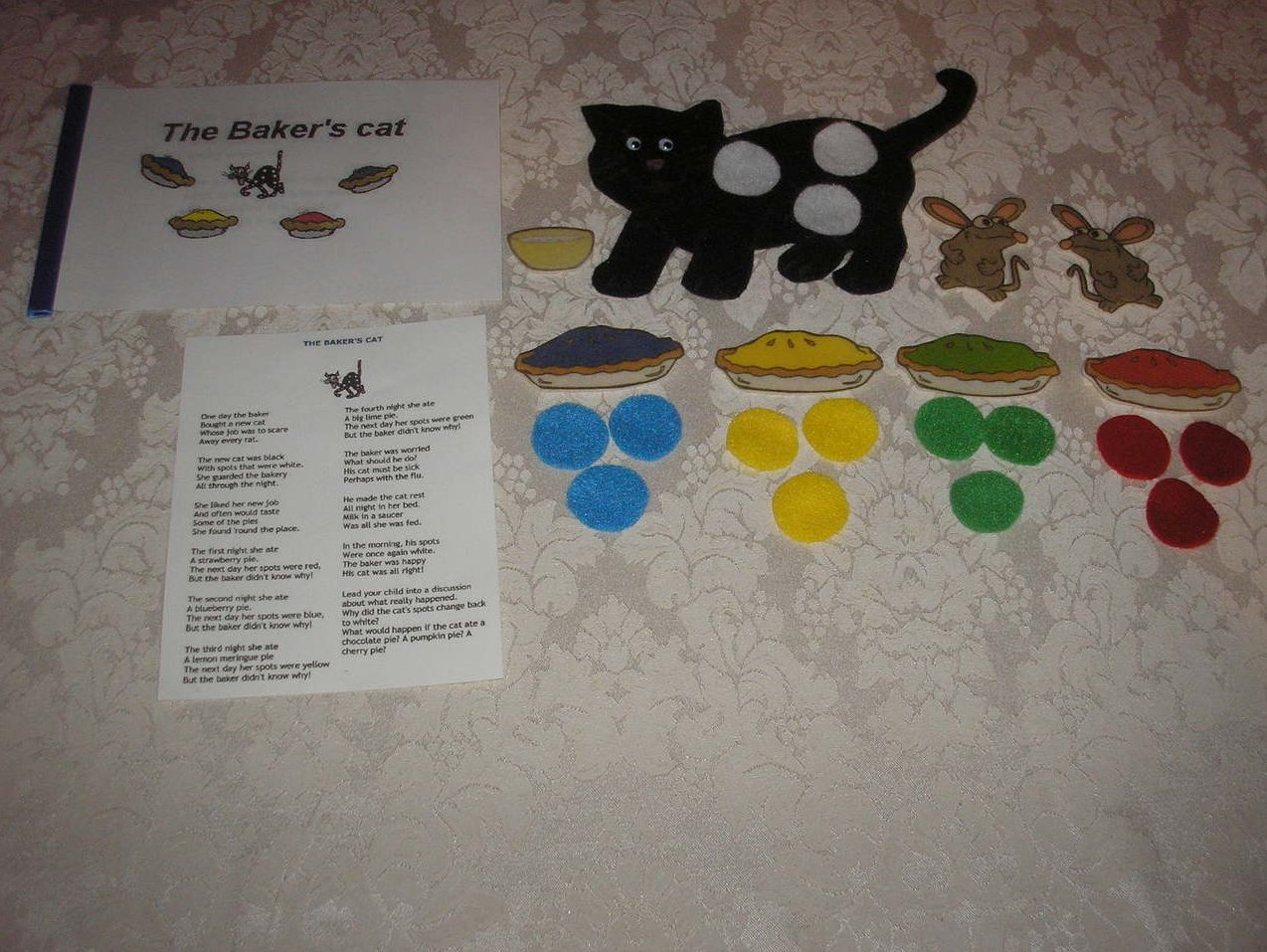 The Baker's Cat felt board set with blackline booklet and story card like new
