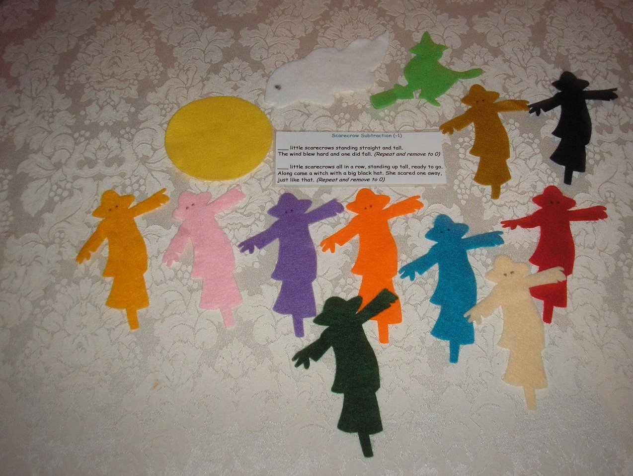 Ten Scarecrows felt board set with laminated story card like new