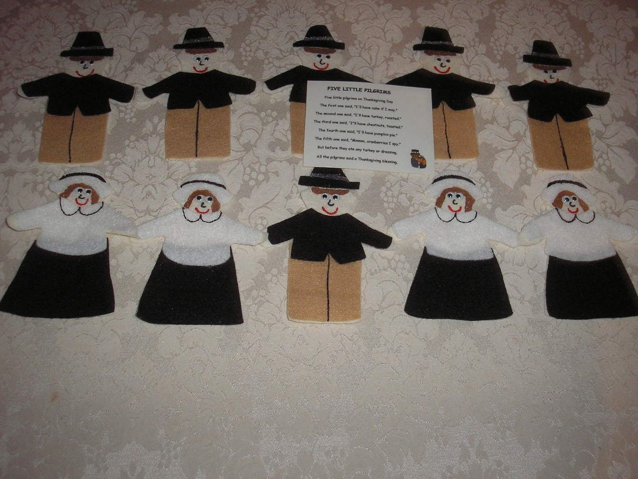 Ten Pilgrims felt board set with laminated story card like new