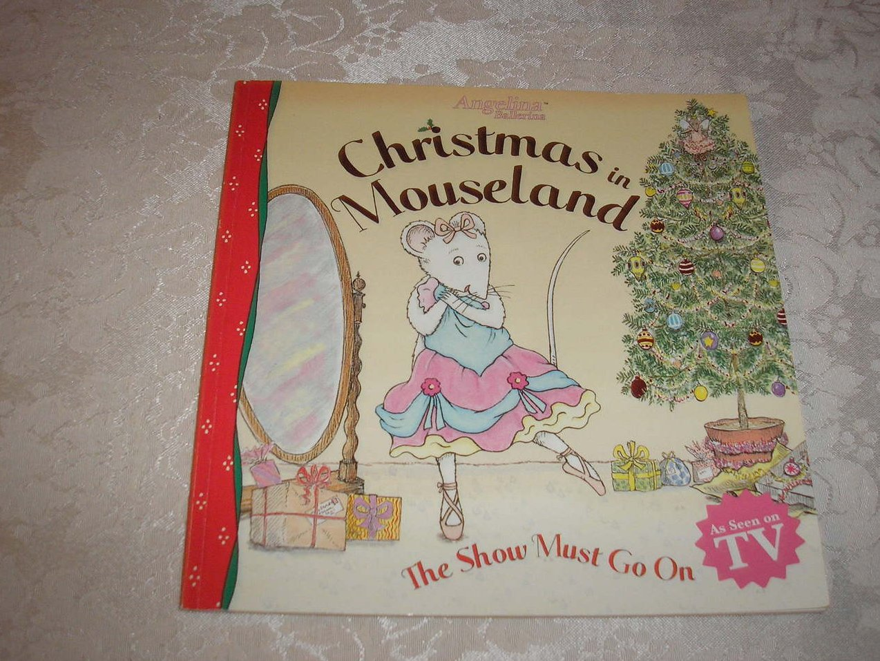 Angelina Ballerina Christmas in Mouseland very good sc