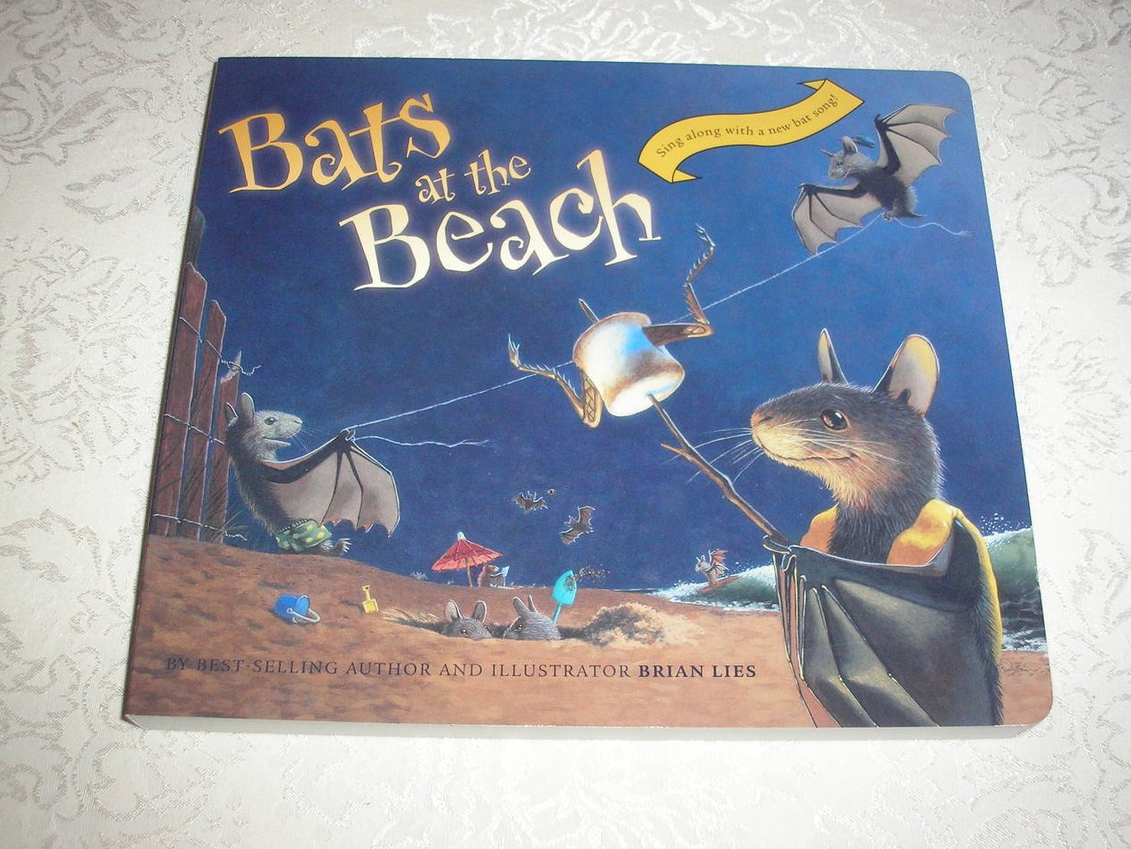 Bats at the Beach Brian Lies brand new lap size board book