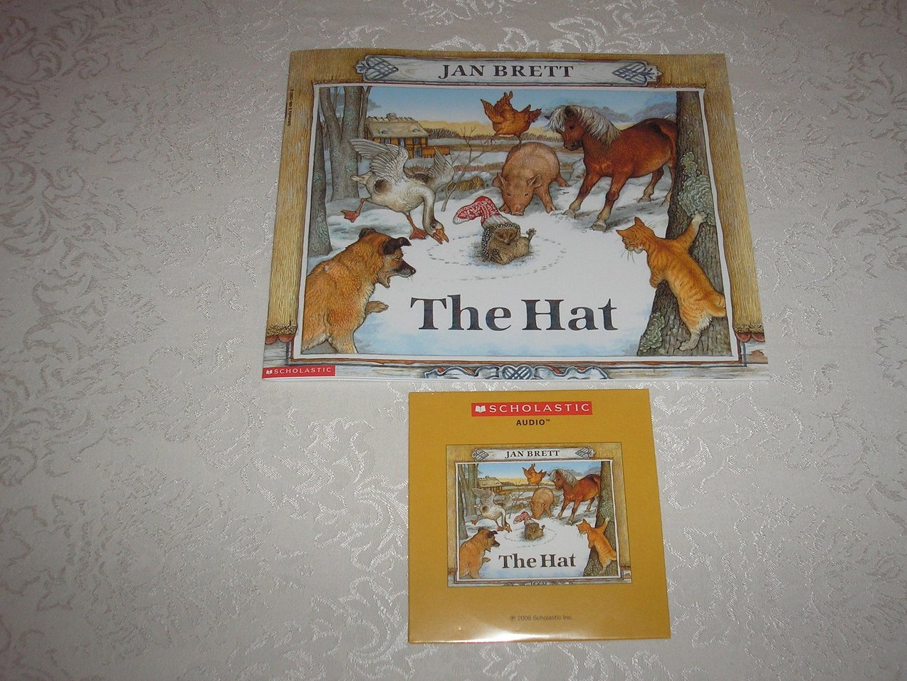 Image 0 of the hat jan brett brand new sc and sealed read along audio