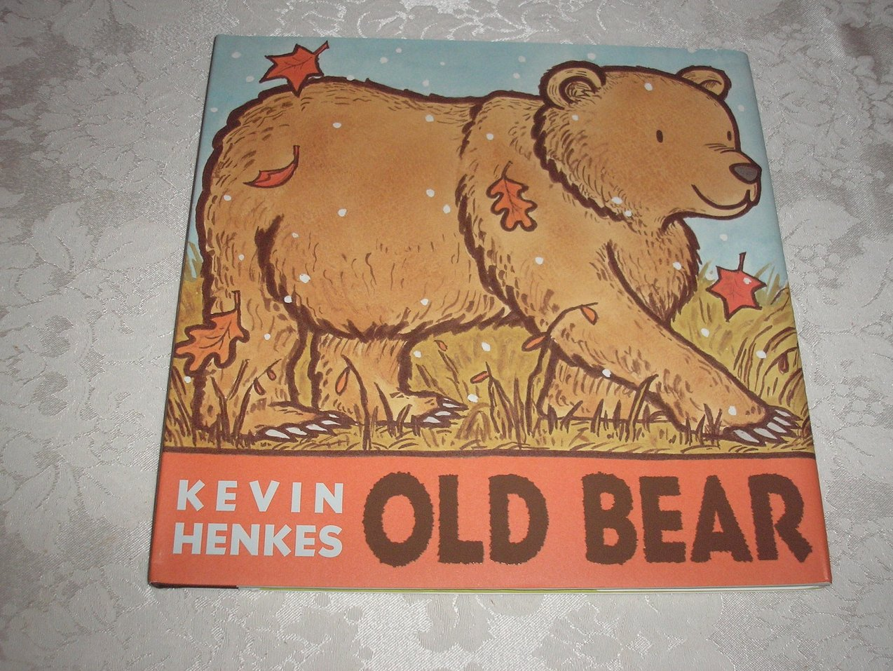 Old bear kevin henkes brand new hc with dj