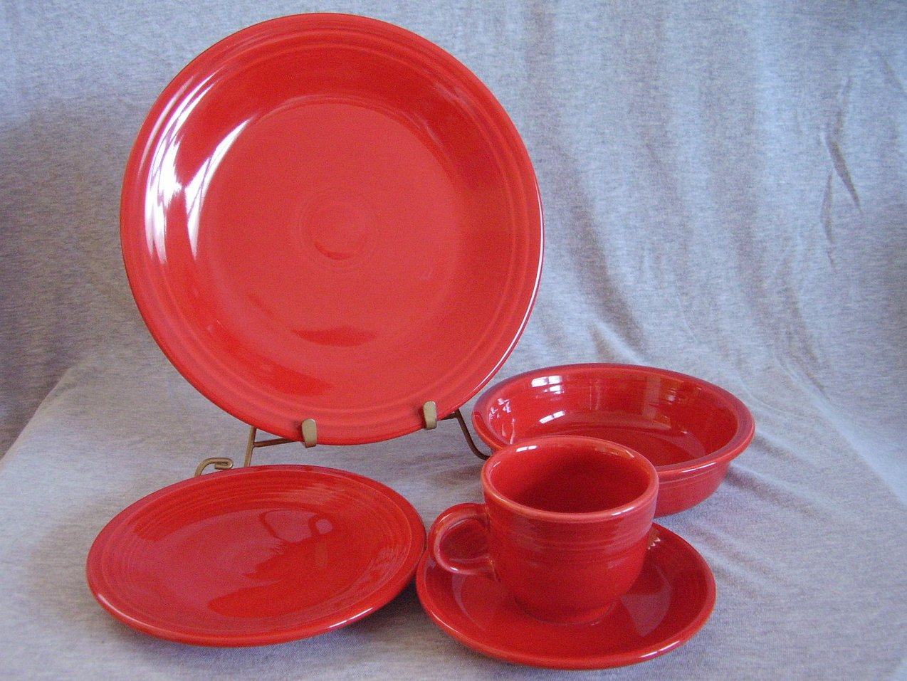 Fiesta Scarlet 5pc Placesetting NIB Fiestaware Contemporary