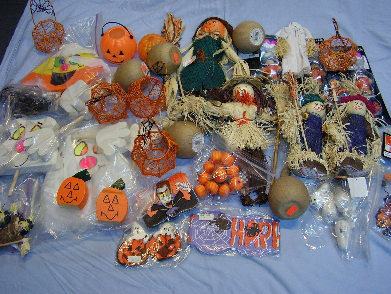 Halloween Crafters Lot Decorations Pumpkin Ghosts