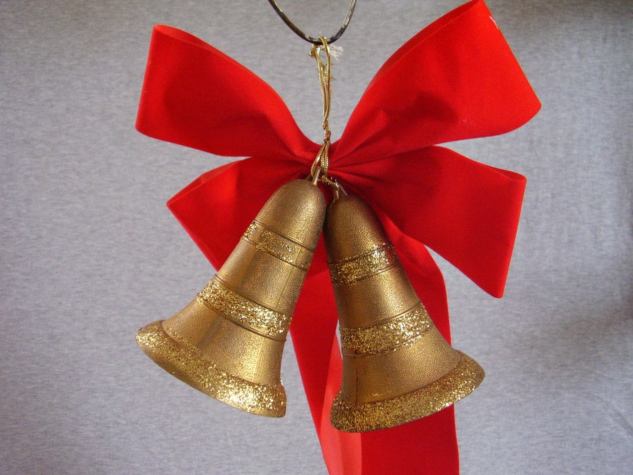Plastic Gold Glittered Hanging Christmas Bells Red Bow