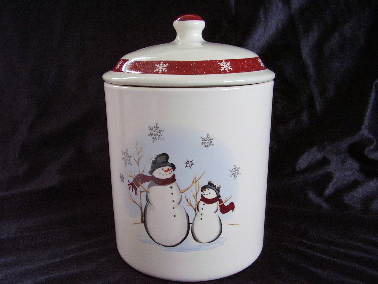Royal Seasons Snowman Canister Red Retired