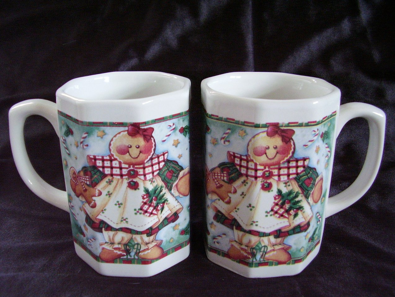 2 Ceramic Christmas mugs