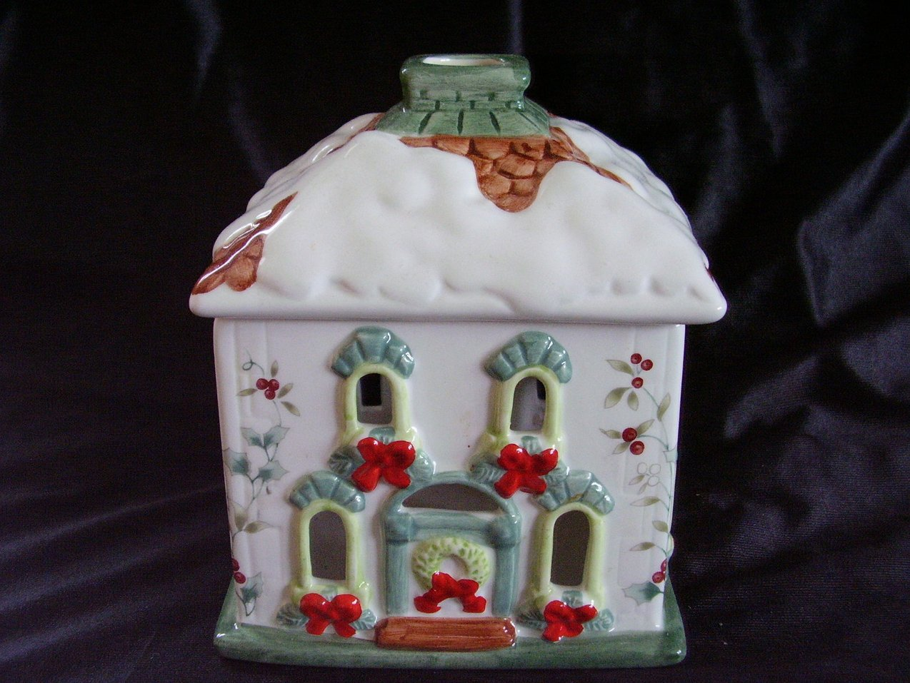 Pfaltzgraff Winterberry Holiday House Votive Candle Lite