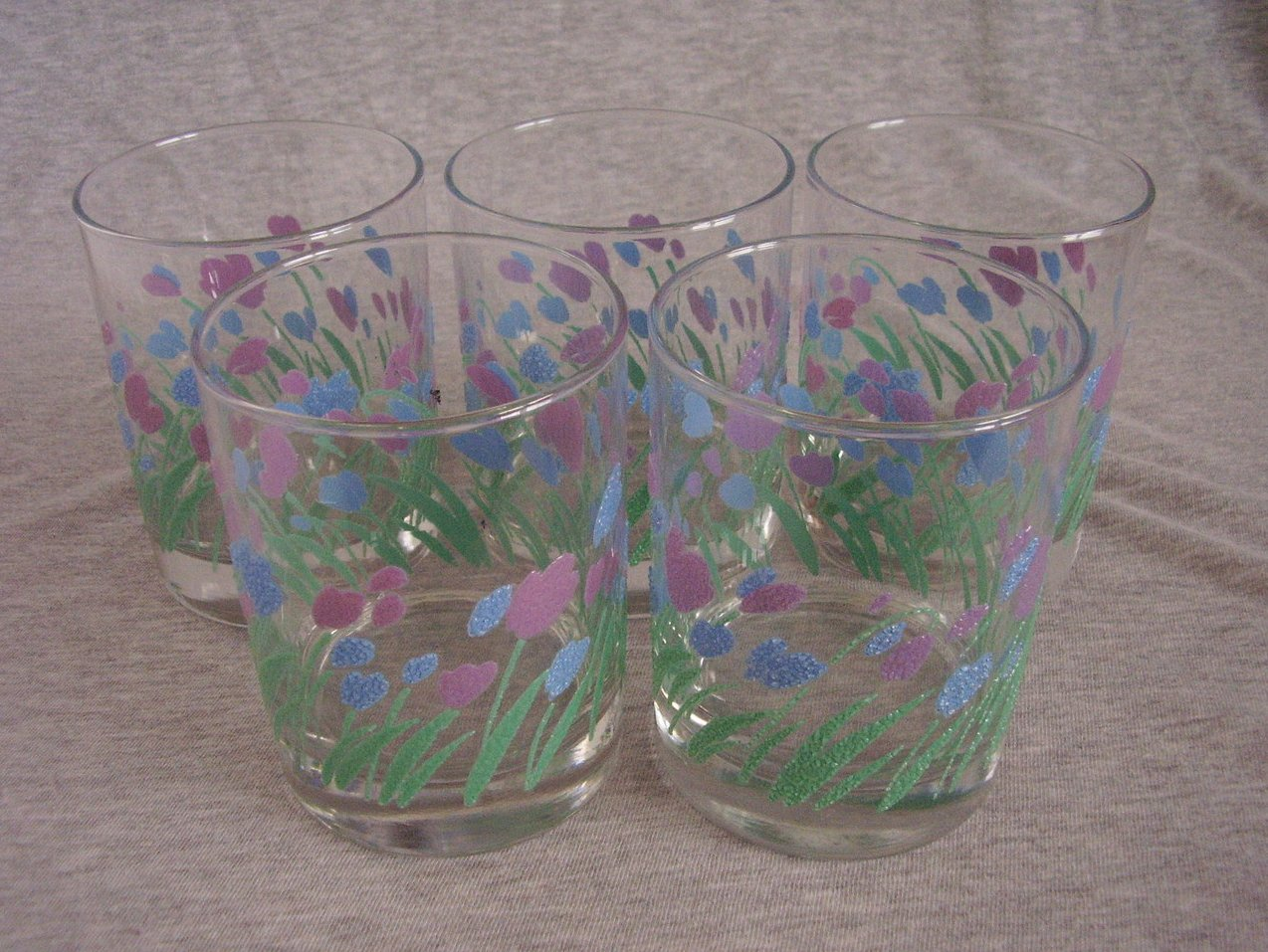 '.Springtime Tulip Rocks Glasses.'