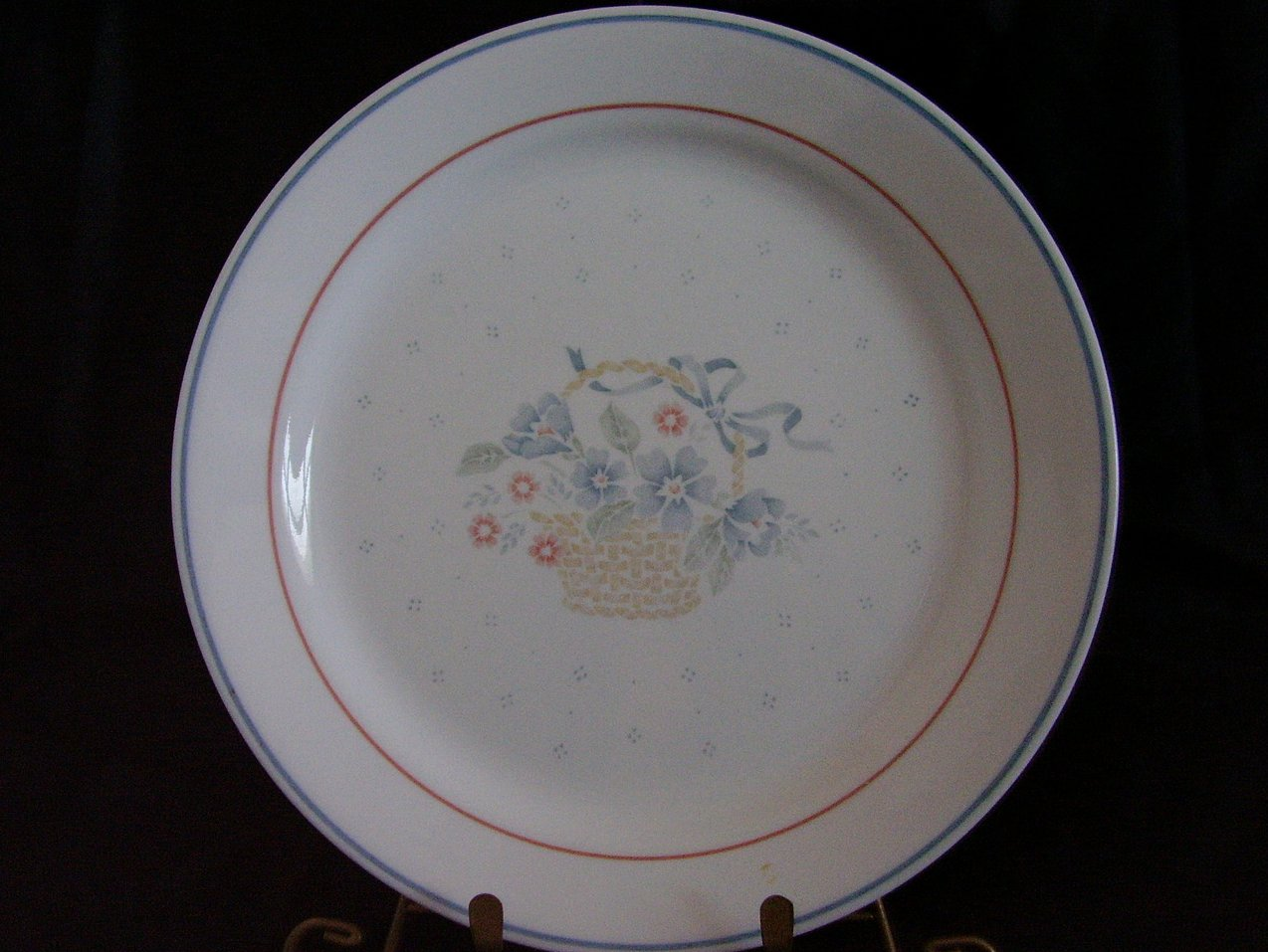 Corelle Country Cornflower Dinner Plate Basket Blue