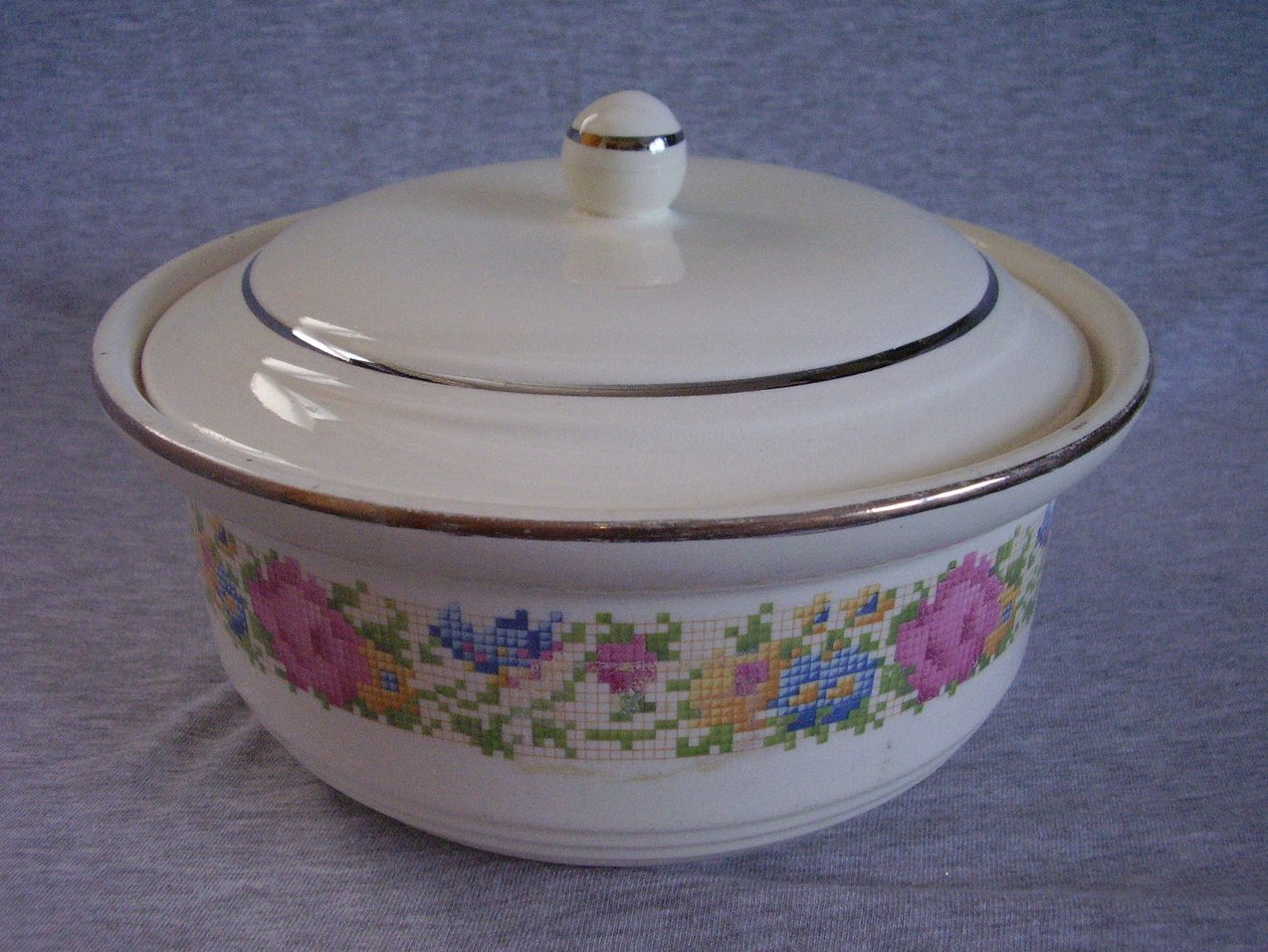 Harker Petit Point Casserole