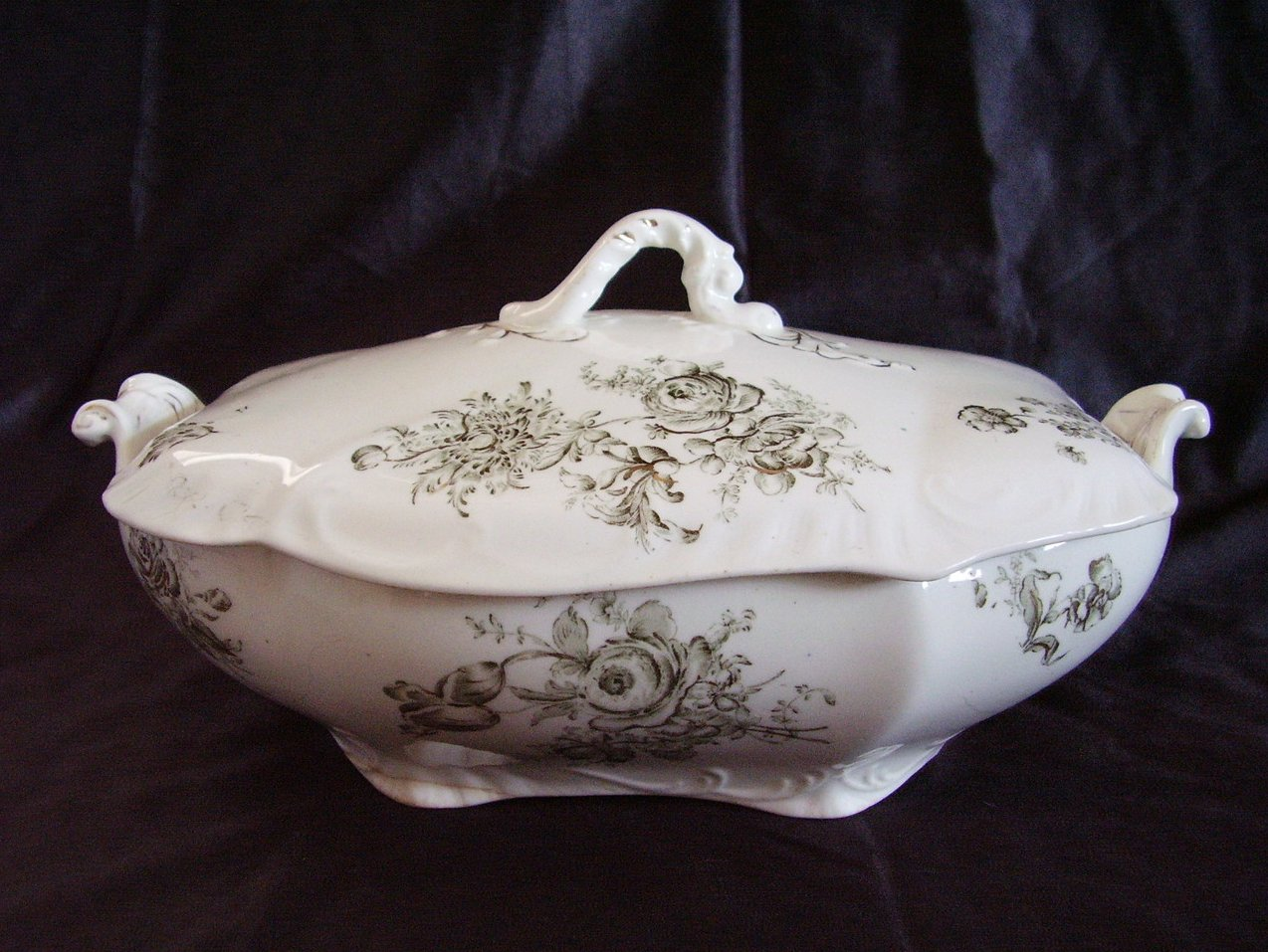 Dresdon SemiPorcelain Transferware Johnson Bros Covered Dish