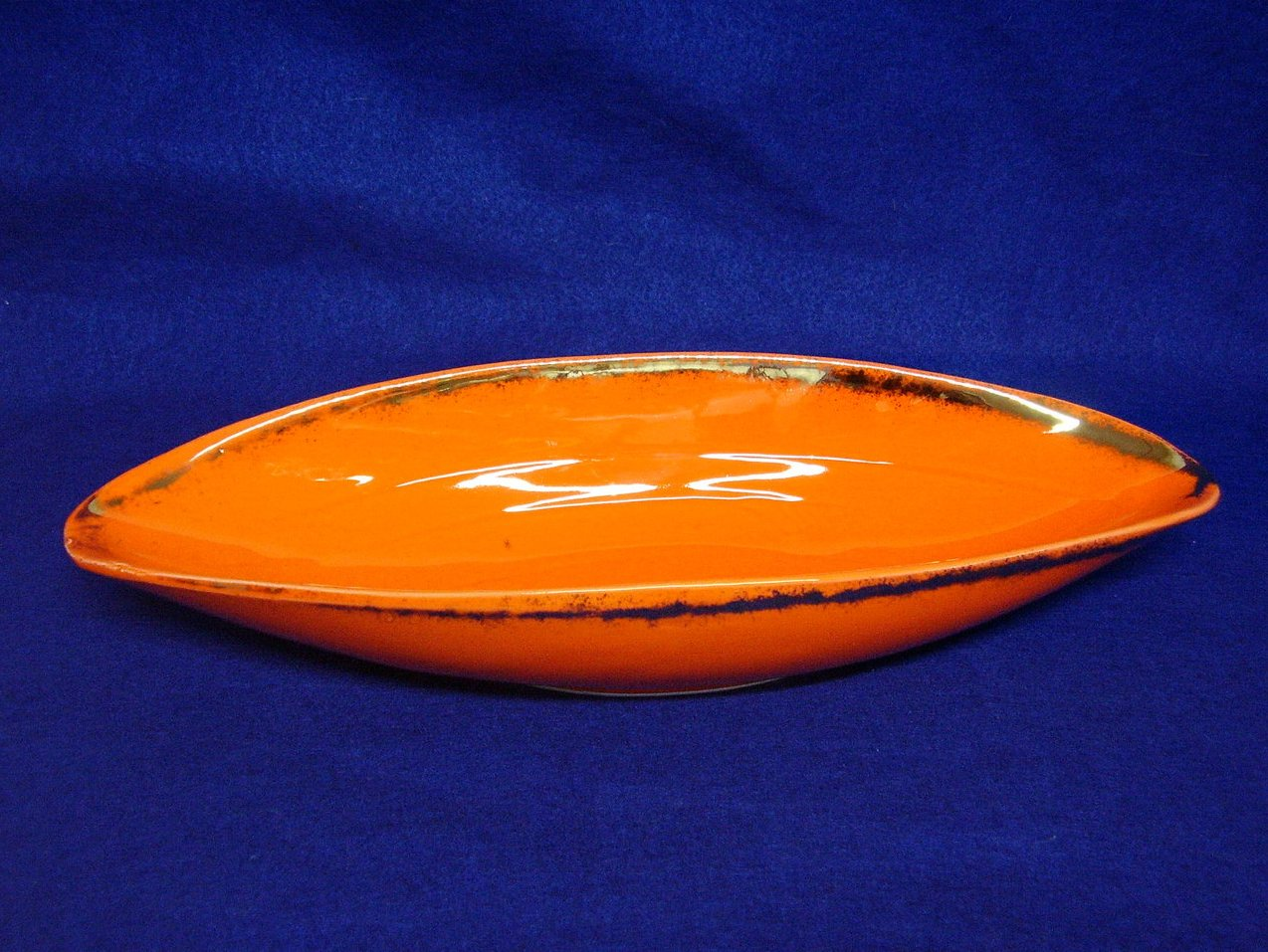'.California USA Orange dish.'