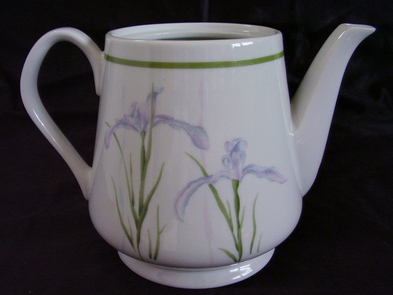 Corelle Shadow Iris Teapot 32 oz. No Lid