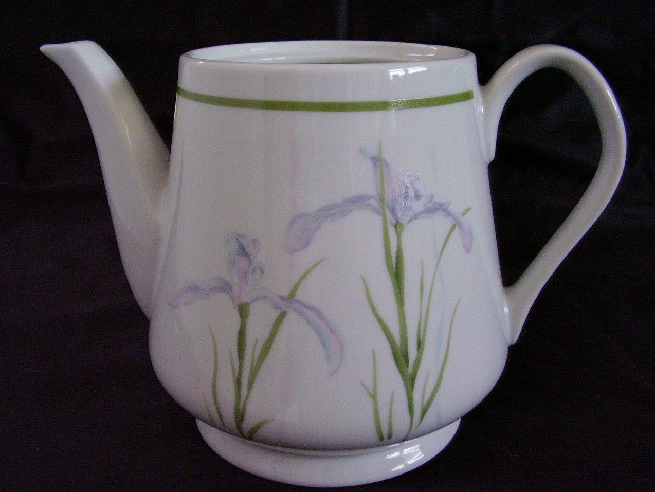 '.Corelle Shadow Iris Teapot.'