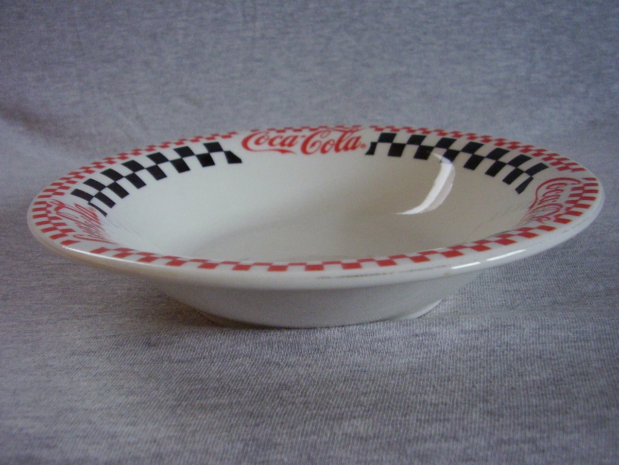 Gibson Coca Cola Coupe Soup Bowl Red Black Checkers