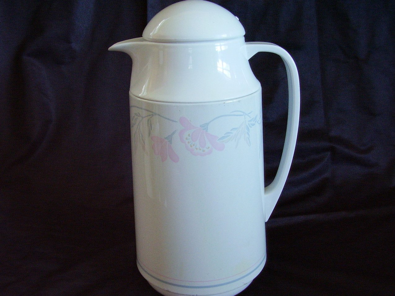 '.Corelle insulated carafe.'