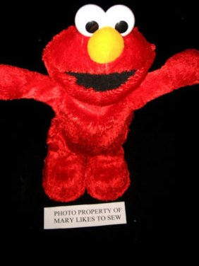 Sesame street Elmo Hasbro 2002 singing Hokey Pokey Elmo Doll with batteries Rare