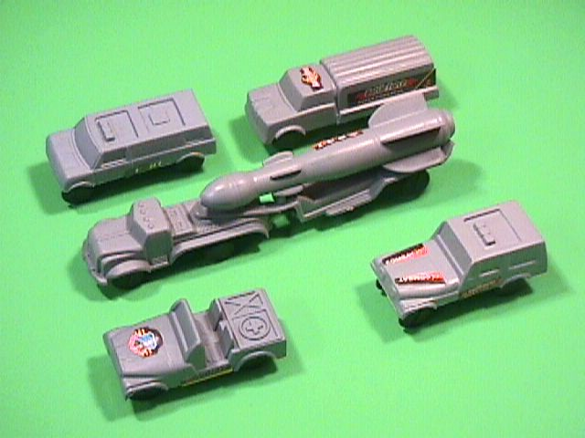 HO Plastic Truck Missile Launcher With Support Vehicles