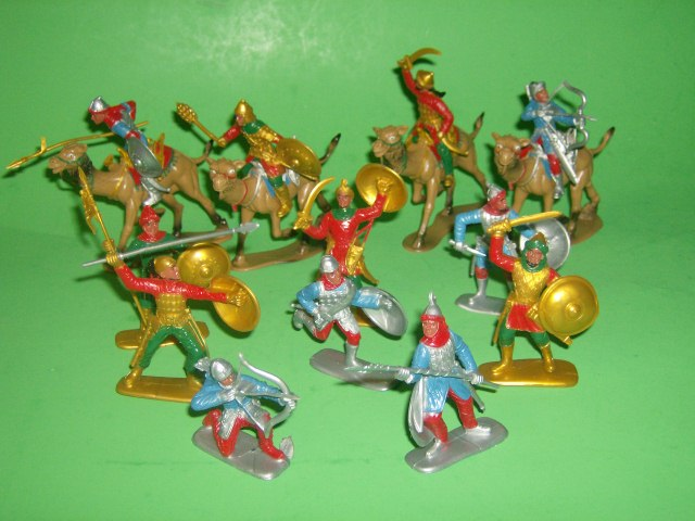 Medieval Holy Land Crusaders Knights Plastic Figures Set No. 34