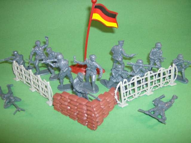 World War II 40 pc German Plastic Soldiers Set