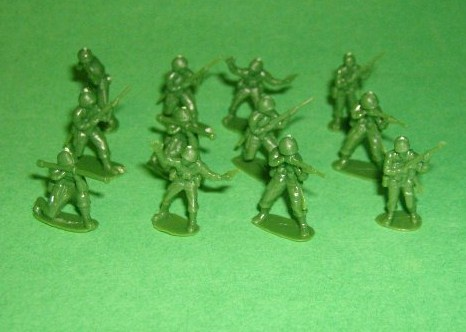 Set Of 125 HO Scale Green Plastic American Soldiers