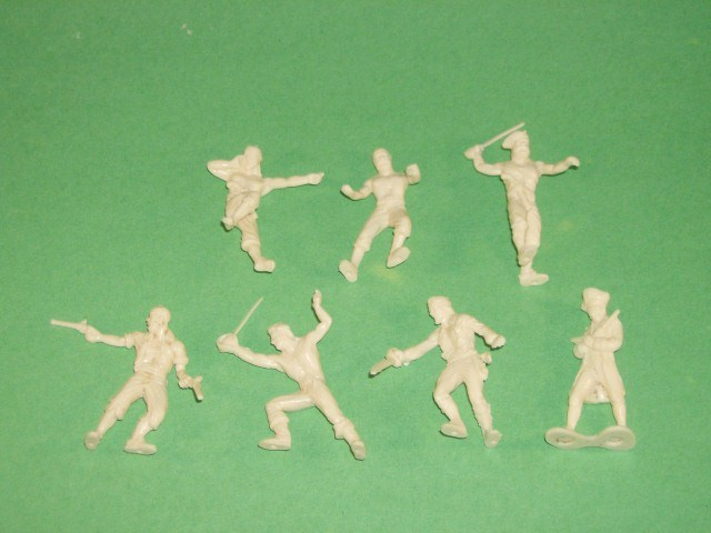 Glencoe Set Of 16 1/32nd Scale Plastic Pirates Figures