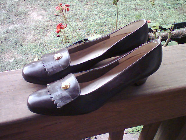 Ferragamo 10 AAA Chocolate Brown Leather Shoes Pumps New :  woman chocolate brown shoes classic treasures